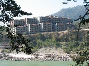 local-building1