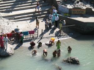 ganga bathing3