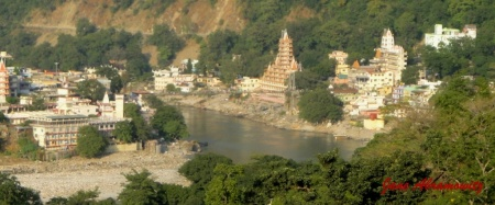 view down towards laxman jhula
