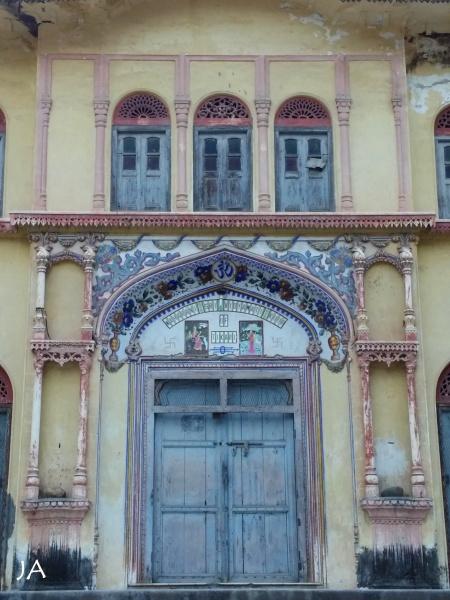 DOORWAYS IN LAXMAN JHULA