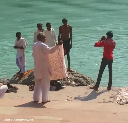 say cheese!! Weekend tourists enjoying the Ram Jhula ghats