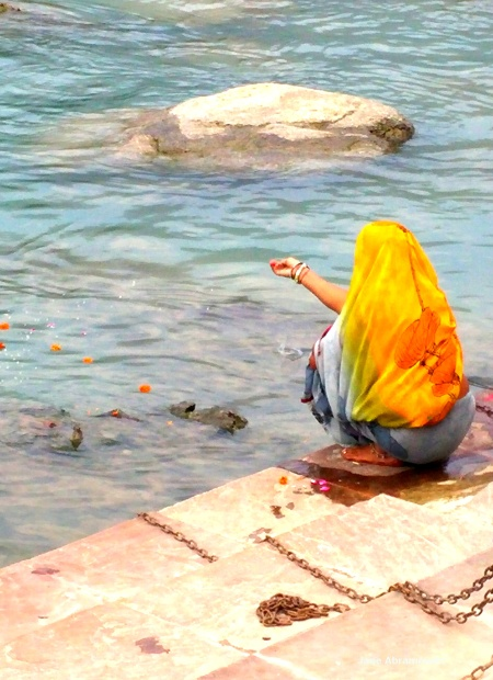 GANGA OFFERING AT LAXMAN JHULA GHATS
